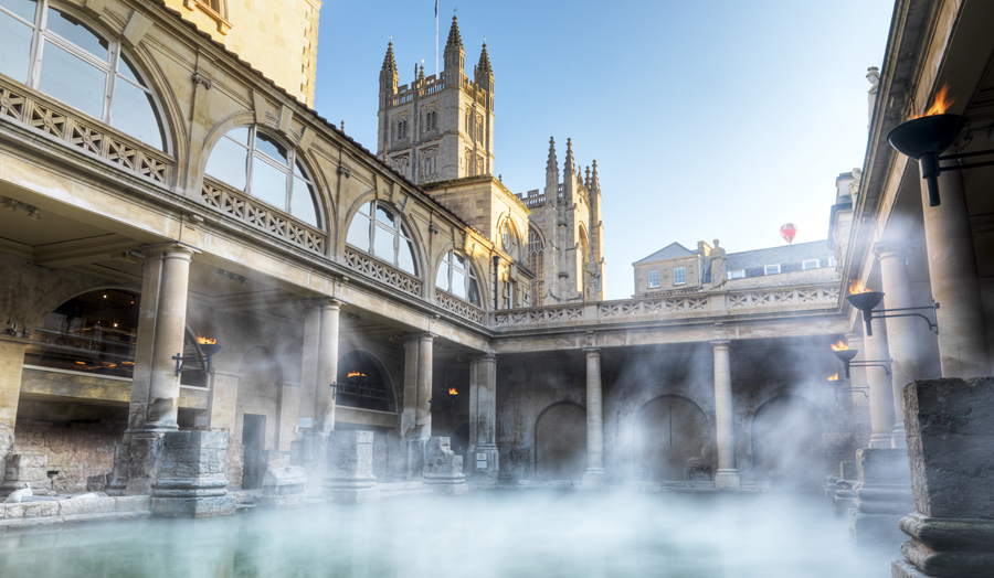 Roman baths and architectural buildings in Bath