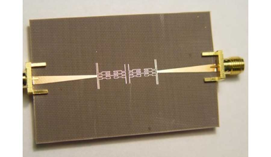 Image of a fractal based microstrip bandpass filter for wireless communication systems