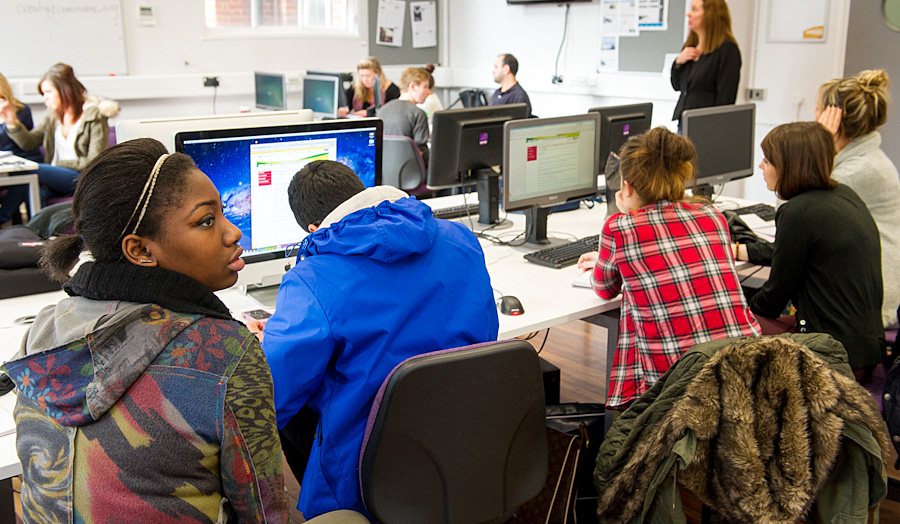 Students in London Met's journalism newsroom