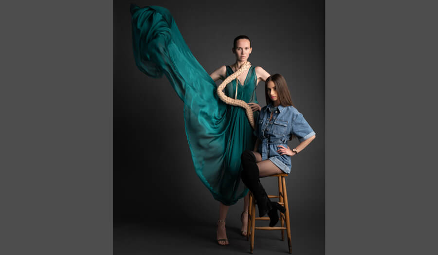 Debora Lima with her model