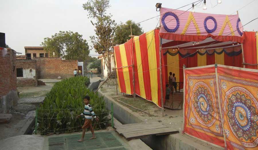 Live project in the settlement of Kachhpura in Agra, India