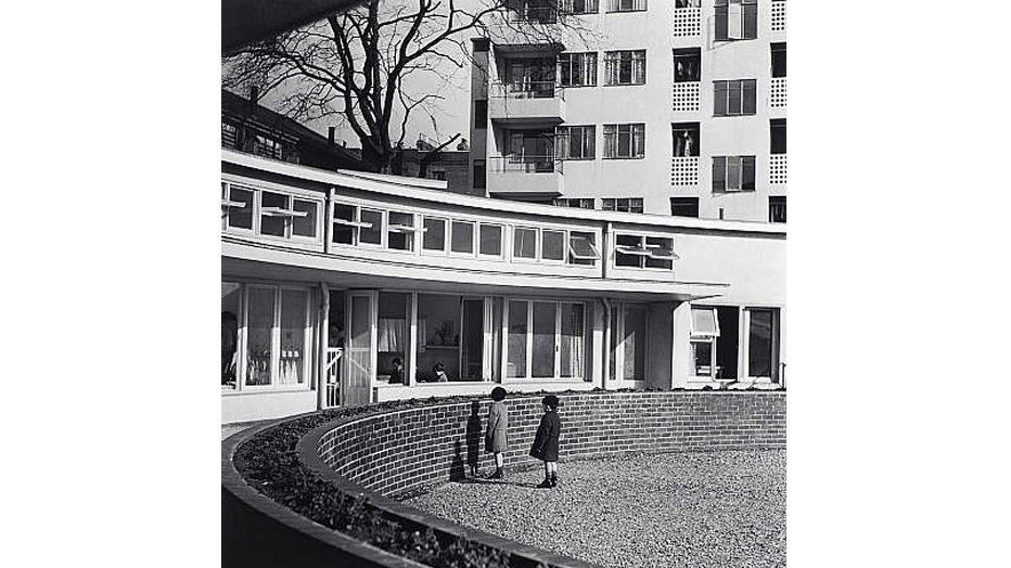 Image: Kensal House, photographed by Edith Tudor-Hart, 1938.