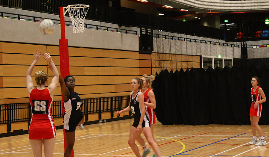 The Students' Union's netball team playing