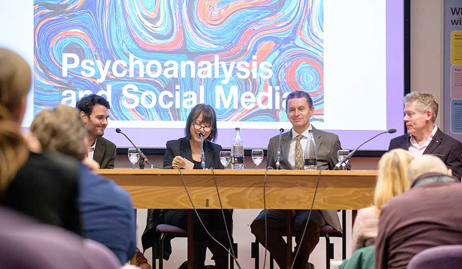 A picture of the panel at the 'Psychoanalysis and social media' event