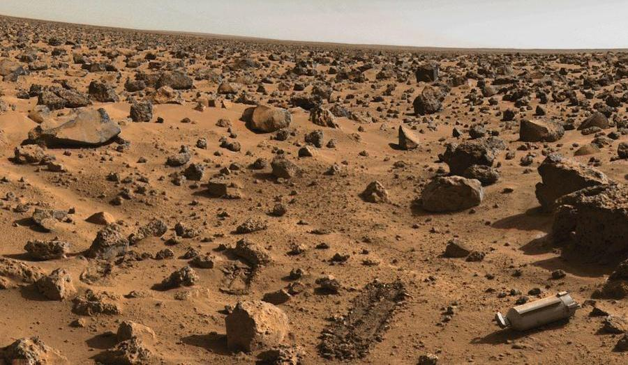 picture of the surface of Mars