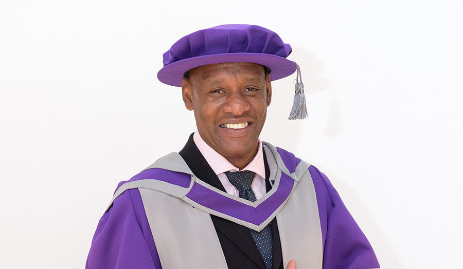 Shaun Wallace, barrister, Honorary graduate, Honorary Doctor of Laws, The Chase, The Dark Destroyer, alumni, graduate